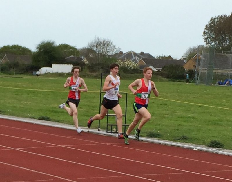 Robbie with the leading pack in the Southern Athletics league 1500m - Match 1