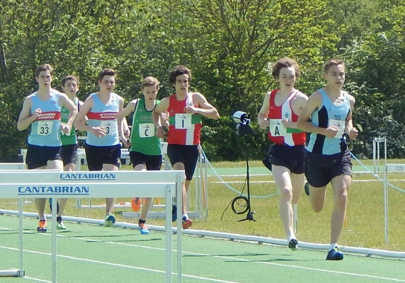 Robbie starts fast behind Thames Valley Harriers, Toby clyde